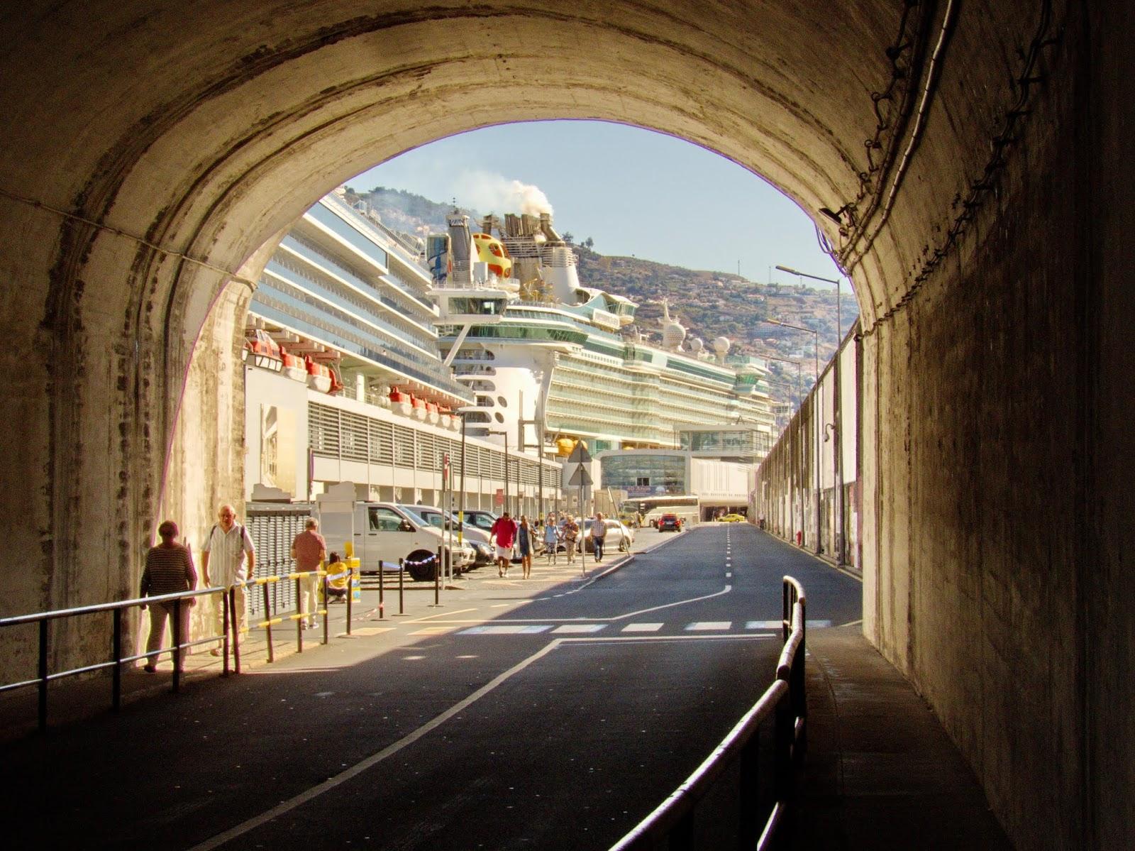 detalhes no Porto do Funchal