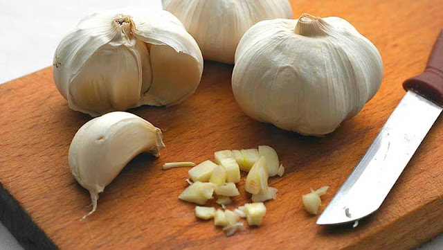 A Natural Alternative To Statins: Combining Lemon Juice And Garlic Helps Reduce Cholesterol Levels And Improve Your Blood Pressure