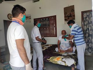 ऑल इंडिया मुस्लिम बेदारी कारवां ने कहा जिलाधिकारी महोदय ने किसी भी संस्था द्वारा गरीब मजदूर और  भूखे लोगों के बीच खाने पीने के सामान पर रोक।