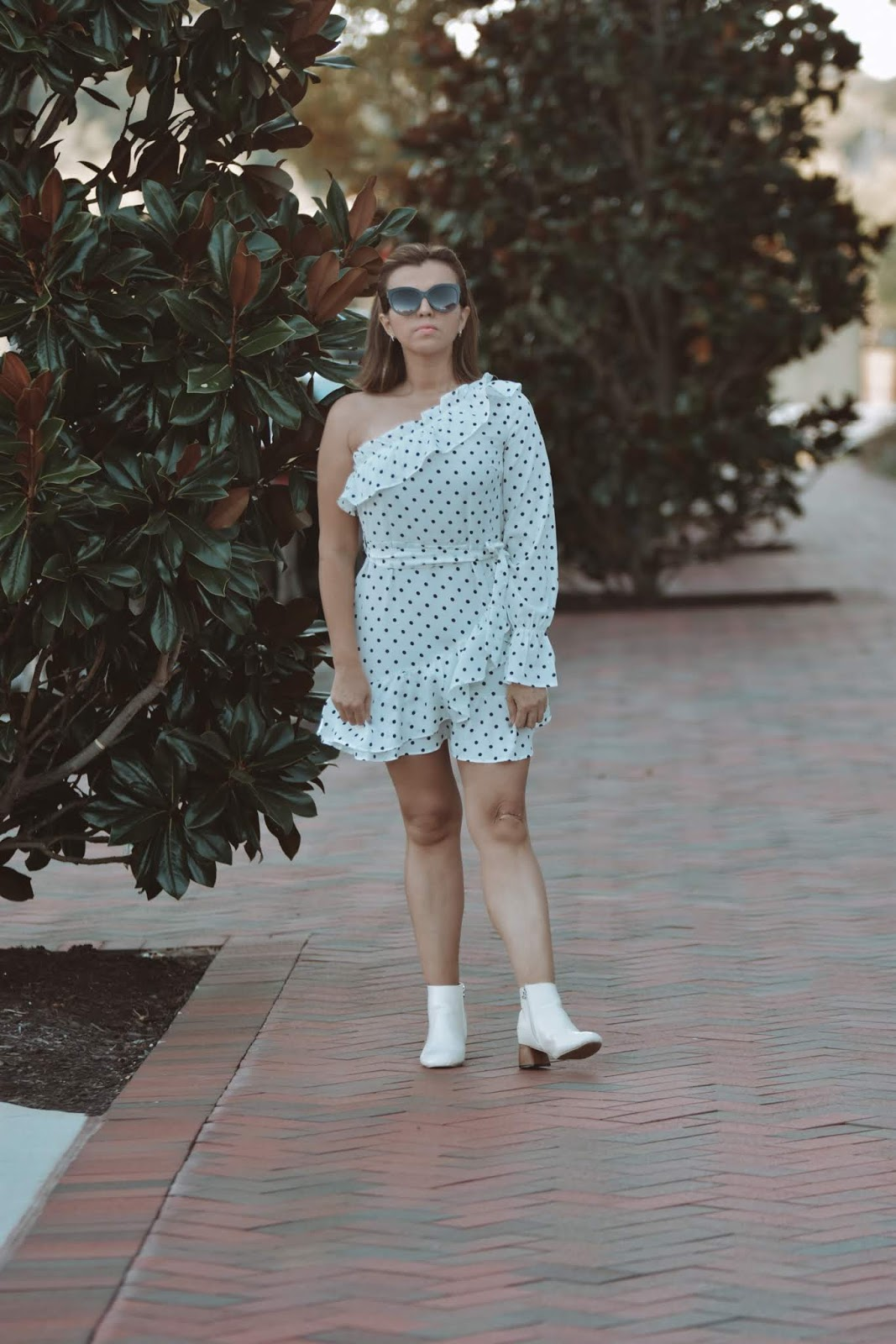 Polka Dots y Botines Blancos by Mari Estilo