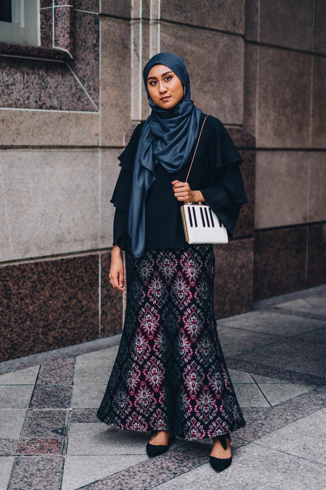 Malaysia traditional wear baju kurung tiered sleeves top songket kate spade  piano clutch jpg 1066x1600 Modern 24e6b6553f