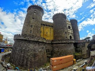 Italie Naples Napoli Castel Nuovo