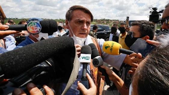 """""""Não vai ser com mentiras ou com CPI, integrada por sete bandidos que vão nos tirar daqui"""", diz Bolsonaro"""