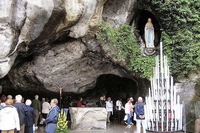 Resultado de imagen de lourdes gruta