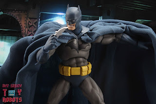 MAFEX Batman (Batman: Hush) 35