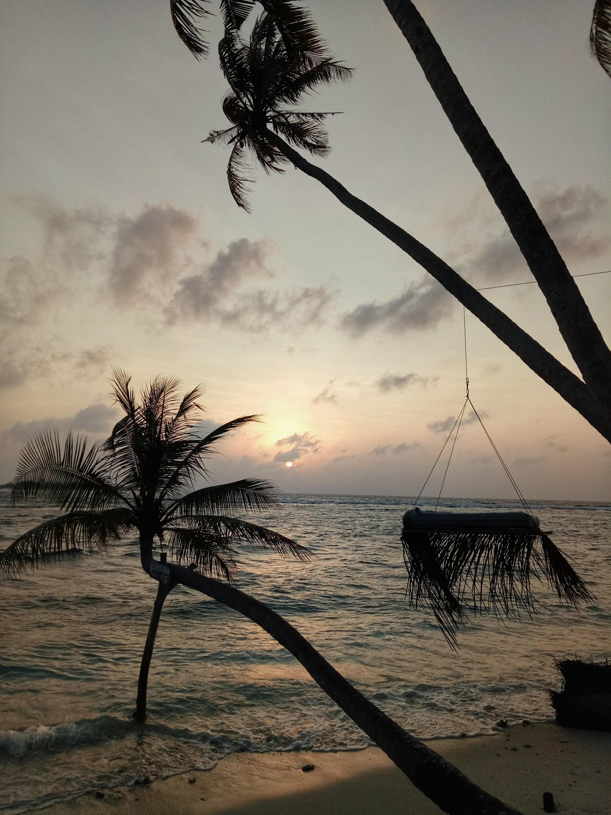 Sunrise at Thulusdhoo