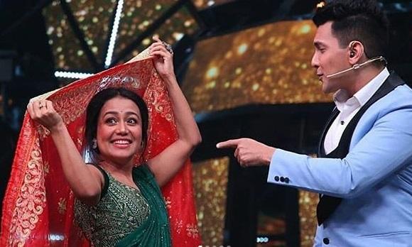 India Idol 11  : आदित्य ने शादी से पहले नेहा को उढ़ाई चुनरी