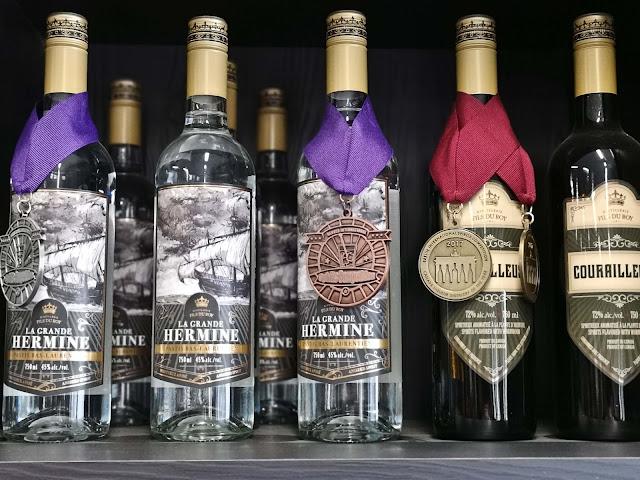 spiritueux,fils-du-roy,la-grande-hermine,absinthe,la-courailleuse,medaille,bas-saint-laurent,madame-gin