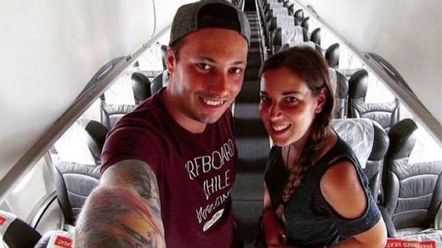 Descubren que son los únicos en el avión ¡y lo disfrutan!