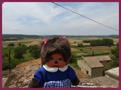 kiki monchhichi doll poupée spain espagne catalogne pals cité médiévale
