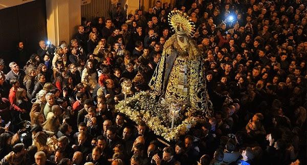 El Gobierno insta a suspender concentraciones públicas como los traslados y vía crucis en Andalucía