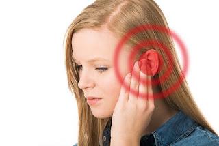 firasat telinga berdenging