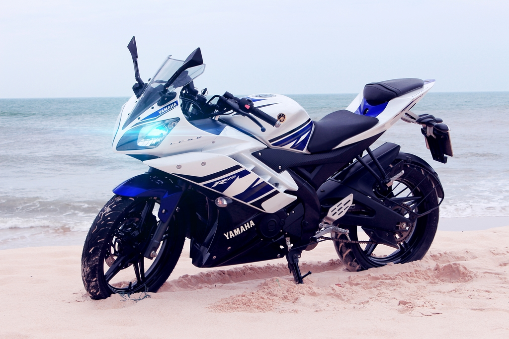 Blue Modified Bike Hd Wallpaper: Yamaha R15 V2 Wallpapers