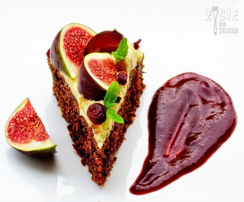 jesienny tort, dyniowe ciasto, orzechowe ciasto, pazdziernik sezonowe owoce pazdziernik sezonowe warzywa, sezonowa kuchnia, pazdziernik, zycie od kuchni