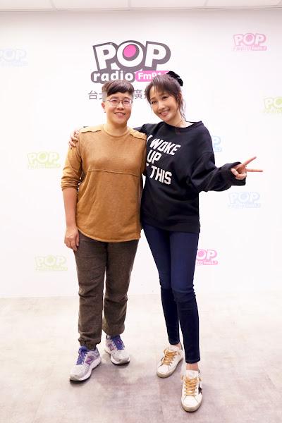黃婷(左)擔任朱俐靜(右)新輯音樂企畫統籌,讓朱俐靜勇於釋放真實的自己