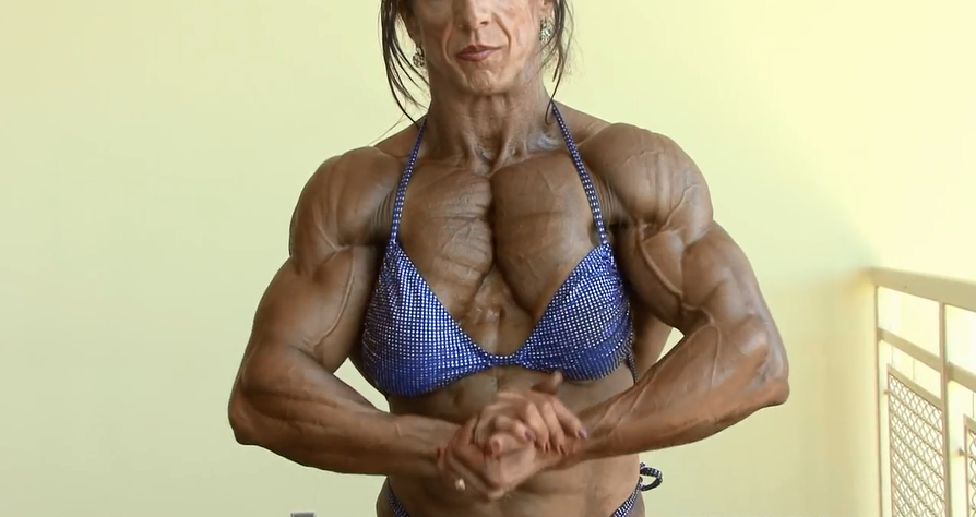 Video Developed muscle mass in a Female Bodybuilders