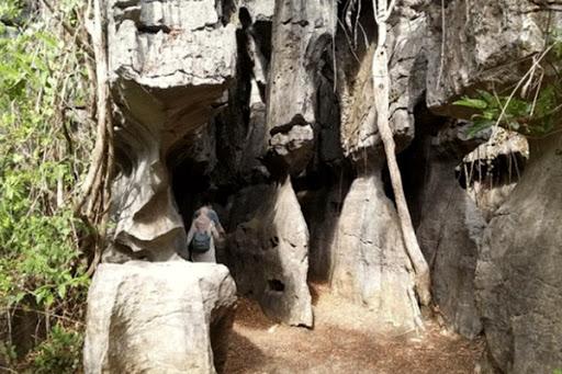 Labirin Stone Kawasan Karst Rammang Rammang Maros