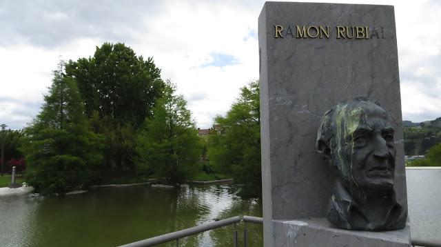 Busto de Ramón Rubial en el jardín botánico