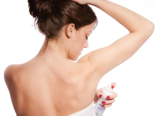 Se Livre das Manchas de Desodorante das Roupas