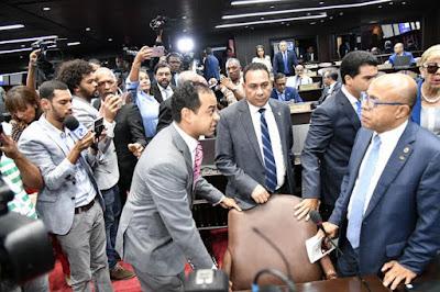 PLD  libera lucha interna en el congreso