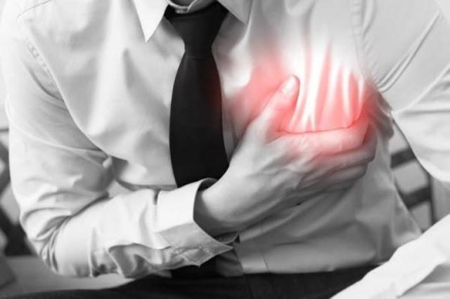 8 إشارات سيحذرك بها جسمك قبل شهر من النوبة القلبية.؟؟