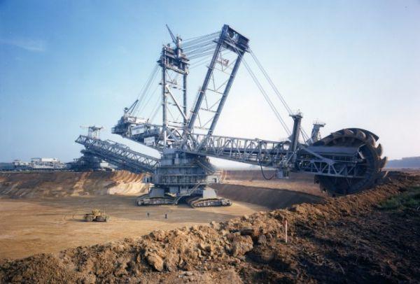 Những cỗ máy siêu to khổng lồ trên thế giới