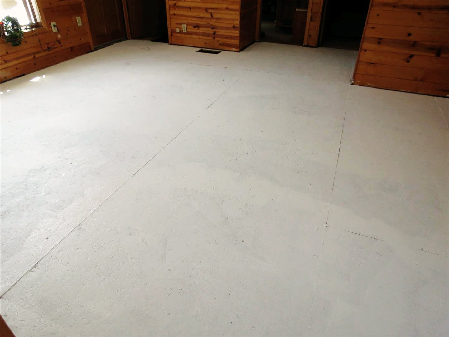 Painting osb flooring floor matttroy for Painting plywood floors ideas