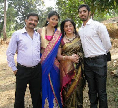 Pooja Hegde Family