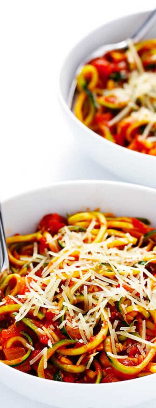 ZOODLES MARINARA (ZUCCHINI NOODLES WITH CHUNKY TOMATO SAUCE) #lunch