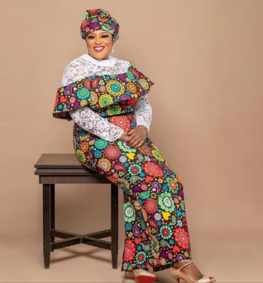 Ankara and Lace Wonderful Combination Styles To Bobble Up You're Beauty