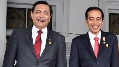 Pedagang Angkringan Gugat Jokowi: Copot Luhut dari Koordinator PPKM!