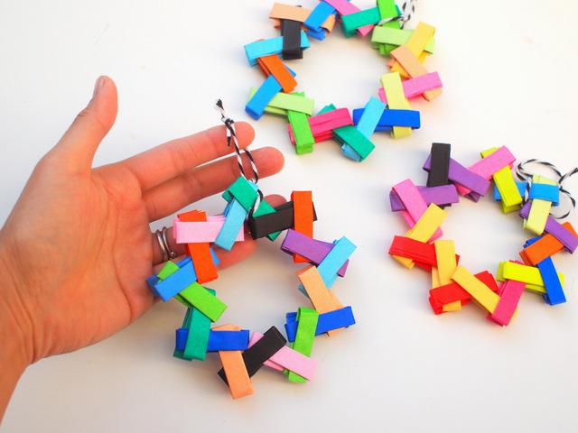 Handmade Holiday: 14 DIY Origami Ornaments | Origami christmas ... | 480x640