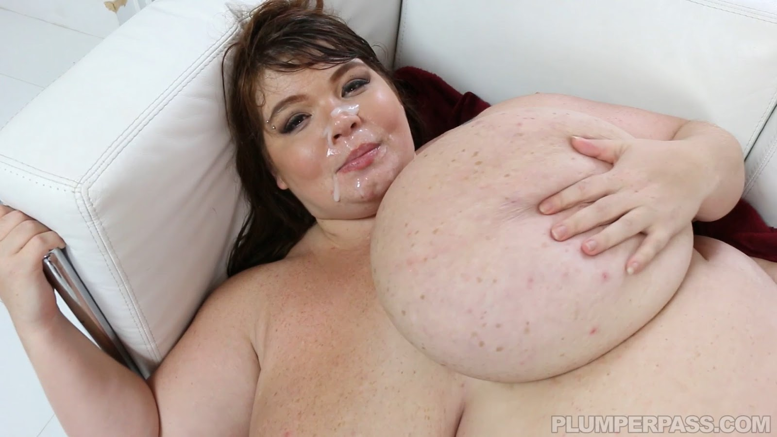 image Bbw lexxxi luxe has her huge tits oiled and fucked by bbc
