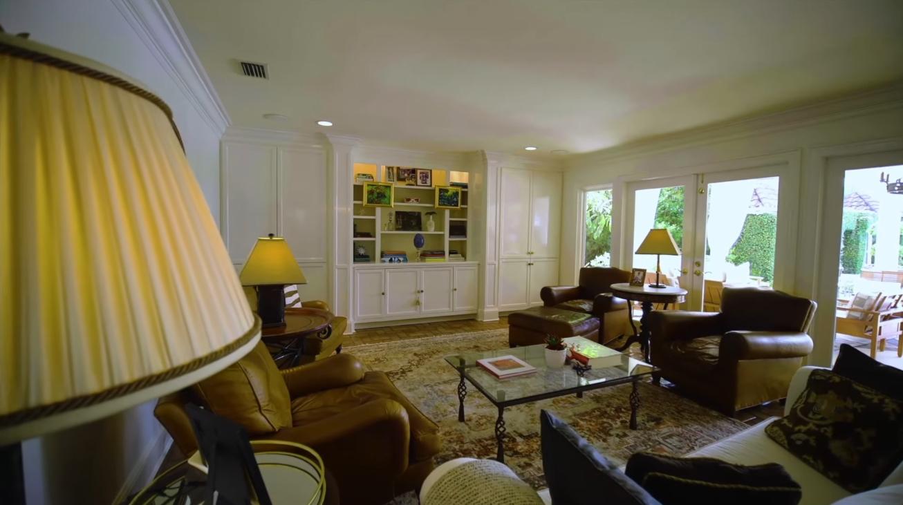 23 Photos vs. 2020 Dixon Lane, St Simons, GA vs. Beachfront Home Interior Design Tour