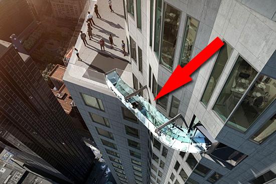 Escorregador de vidro em prédio alto de LA nos EUA - Img 3