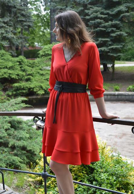 Czerwień – kolor, który przyciąga spojrzenia