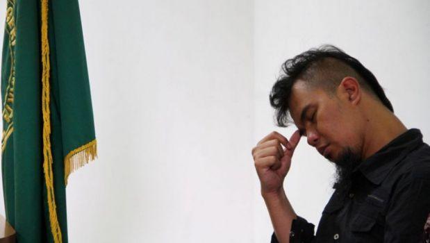 Bangkrut Mulan Jameela dan Ahmad Dhani Berjualan Cilok di