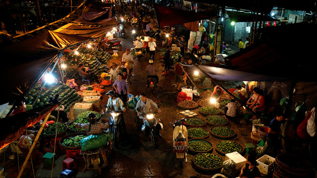 Científicos afirman que los mercados y granjas de Vietnam son una 'bomba de tiempo' de coronavirus