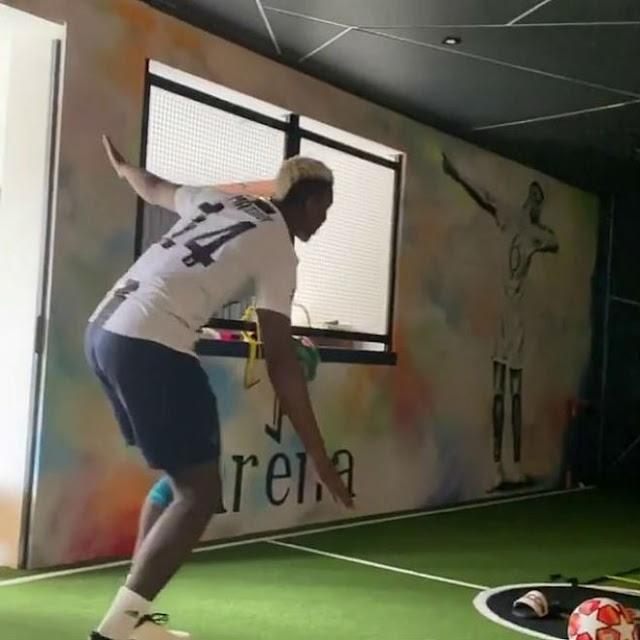 Pogba chọc giận fan MU: Ngang nhiên mặc áo Juventus, lộ lí do ngỡ ngàng 3