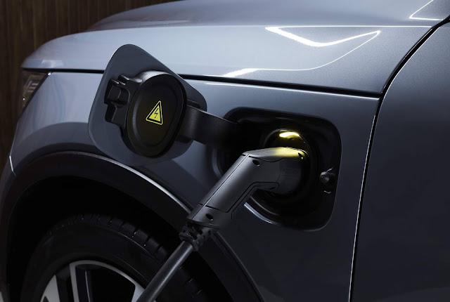 Volvo lança carregador doméstico para carro elétrico de qualquer marca no Brasil - preço R$ 6.499