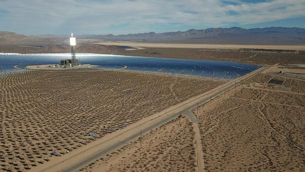 مصر لديها واحدة من أكبر محطات الطاقة الشمسية في العالم بشهادة ناسا.