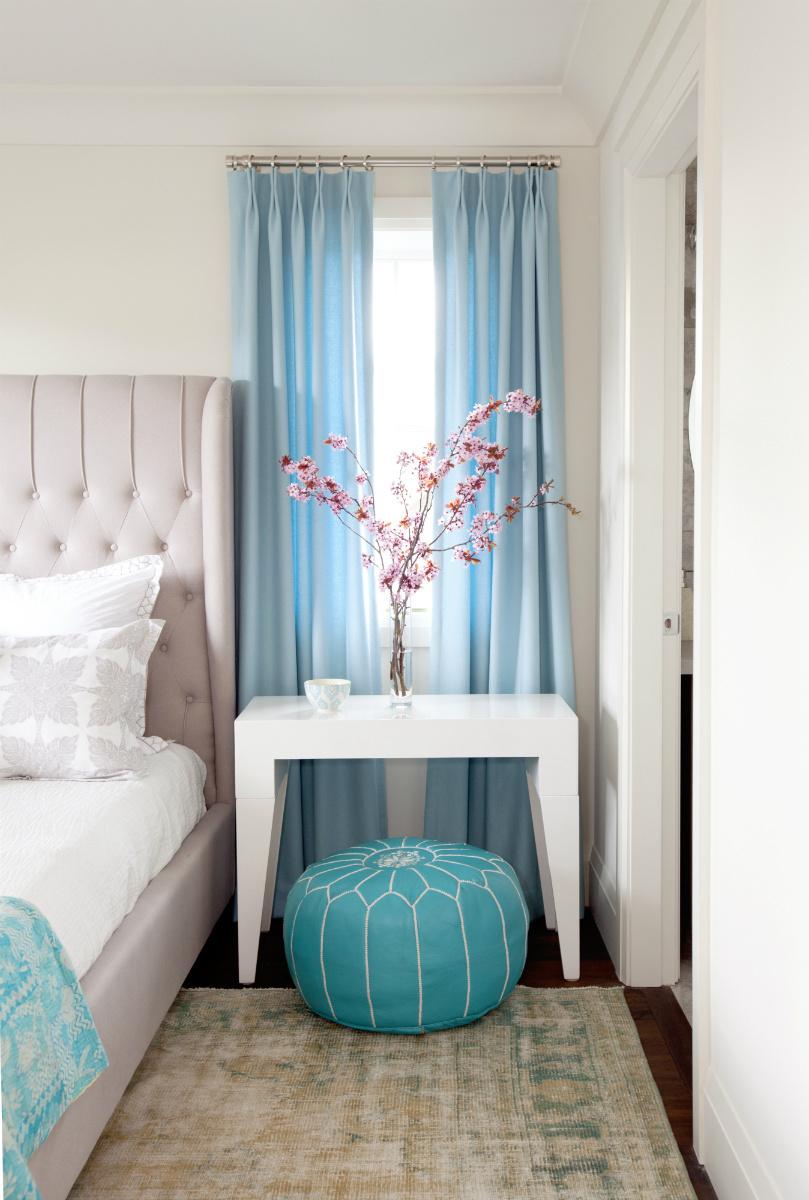 bedroom design with light blue color
