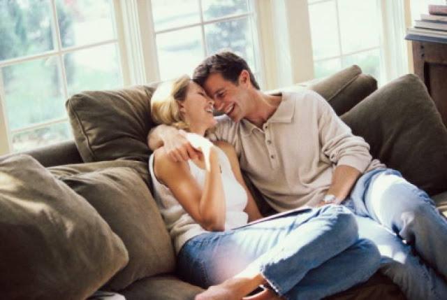 تعلمي هذه الحركات الرومانسية والتي تلفت إنتباه الزوج ولا تجعله ينظر إلى إمرأة أخرى !