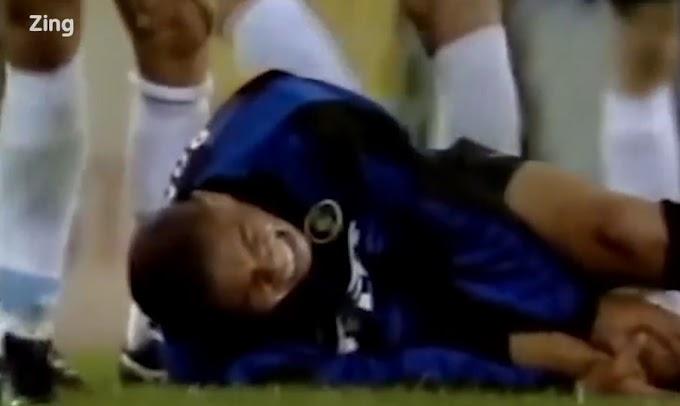 Tròn 20 năm Ronaldo 'béo' rê bóng làm hỏng đầu gối