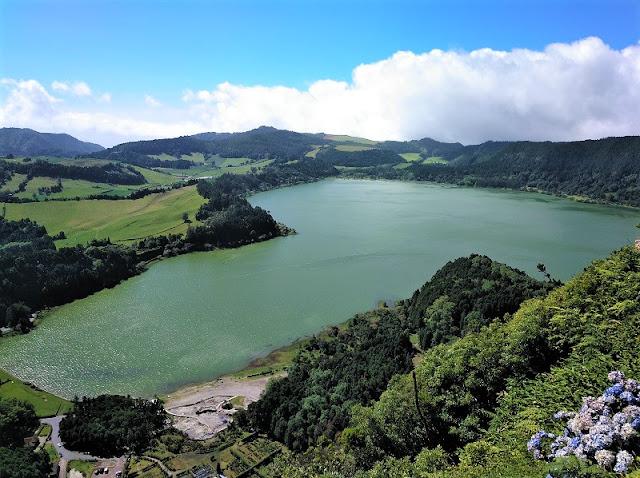 Lago das Furnas desde el Mirador de Pico do Ferro (Açores)