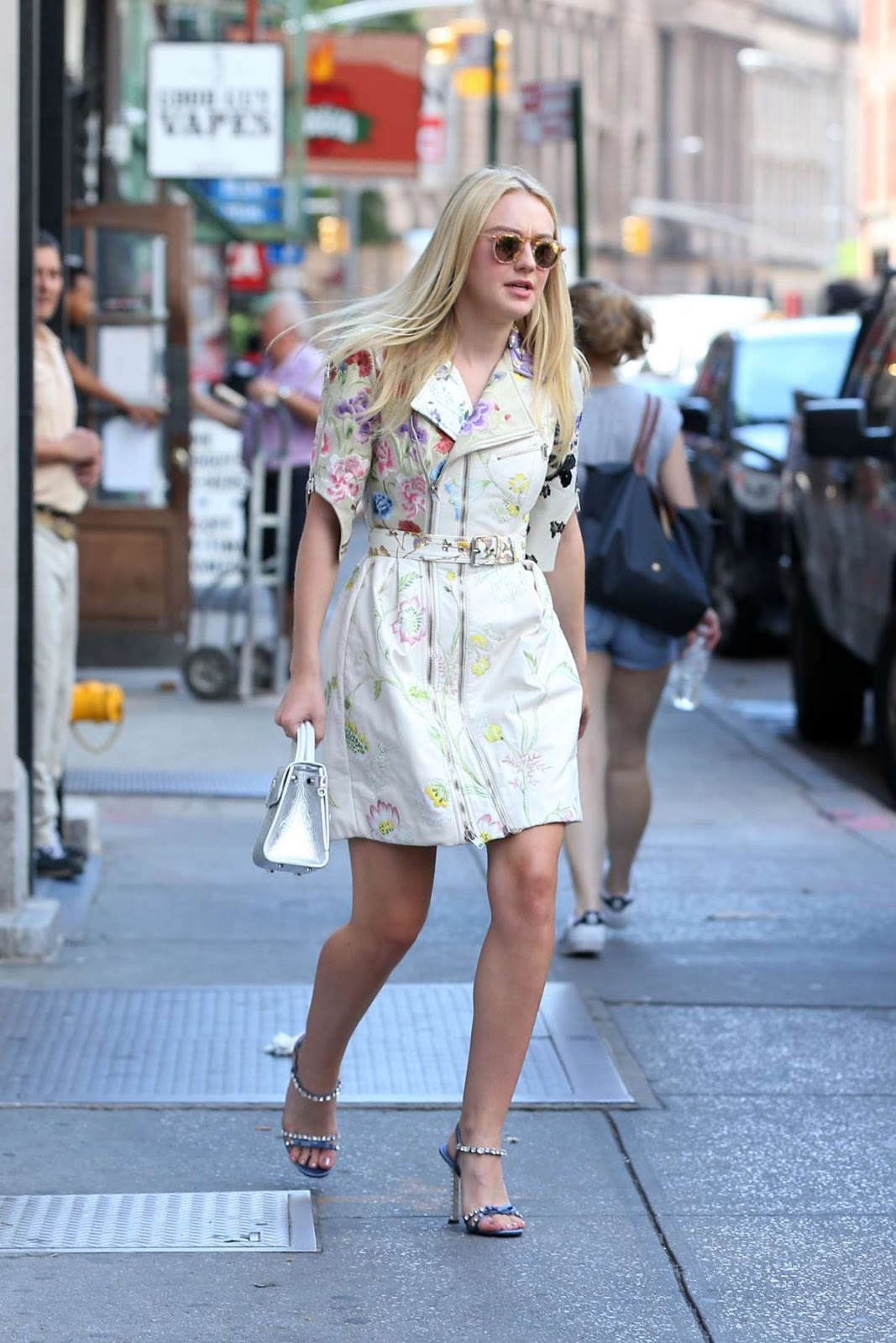 HD Photos of Dakota Fanning Leaves Her Apartment In New York
