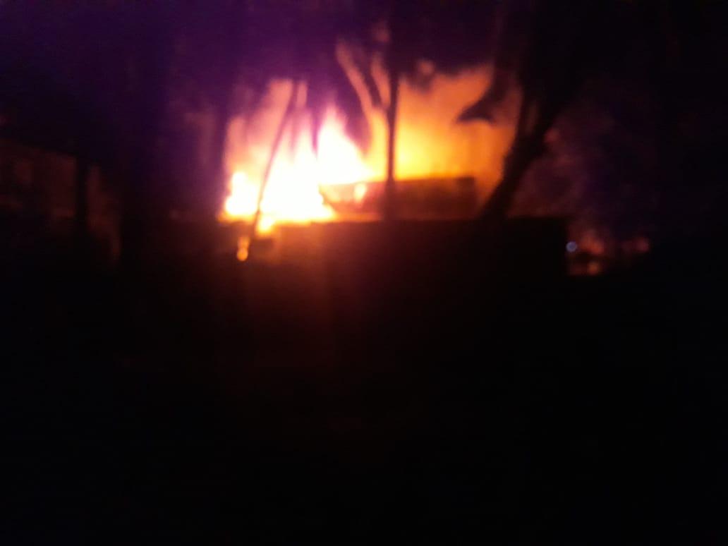Api Menghanguskan Rumah Didepan Masjid Agung Alfalah Jambi