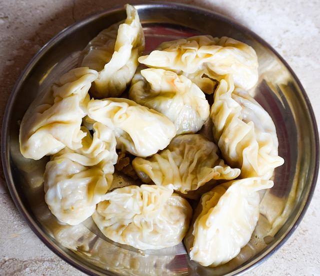 Momos Recipe In Hindi - घर में momos बनाएं