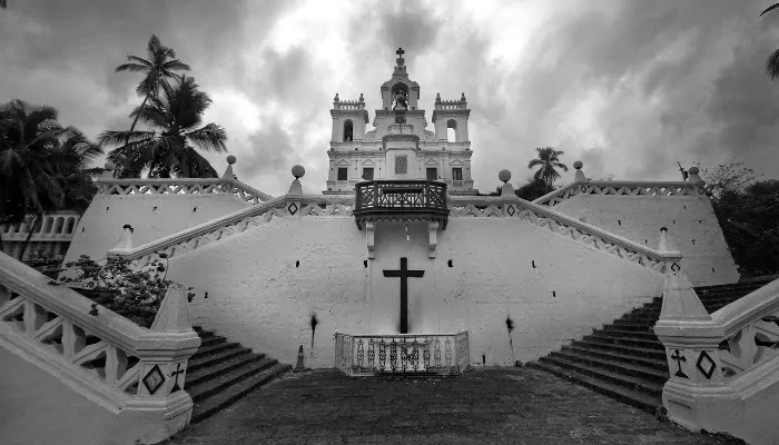 church, goa, Best Places for Honeymoon in India