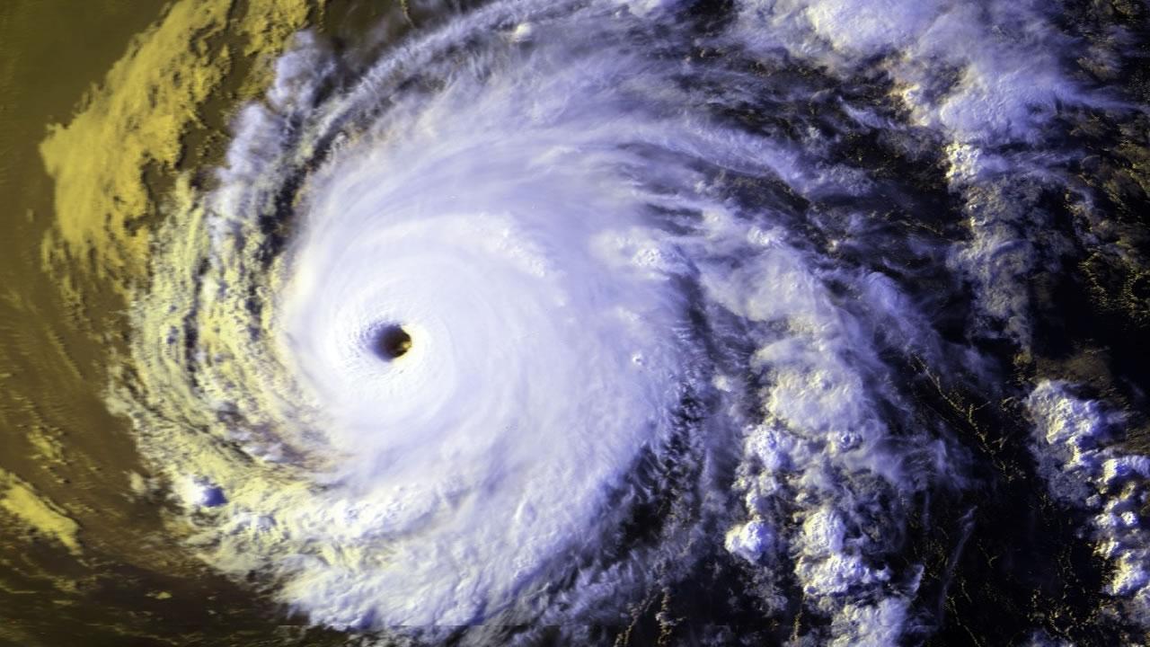 huracanes mas fuertes de la historia en el atlantico
